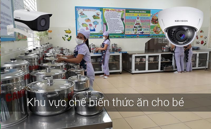 Lắp camera tại khu vực nấu ăn cho bé